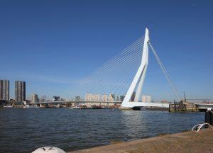 Erasmusbrug ontworpen door Ben van Berkel