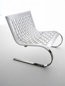 O' Mies lounge armchair ontworpen door Giancarlo Vegni